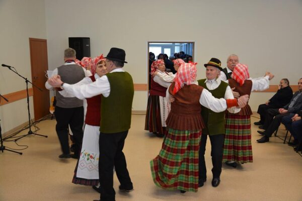1.-Šoka-folkloro-ansamblis-Volungė